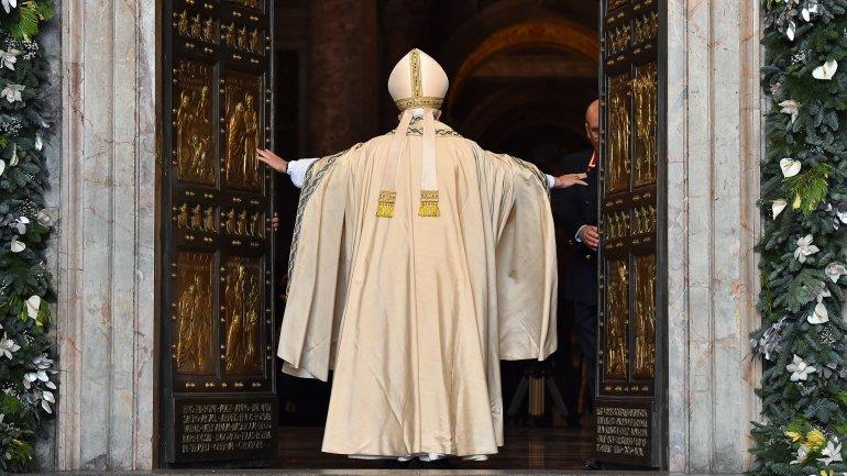 apertura puerta jubileo misericordia